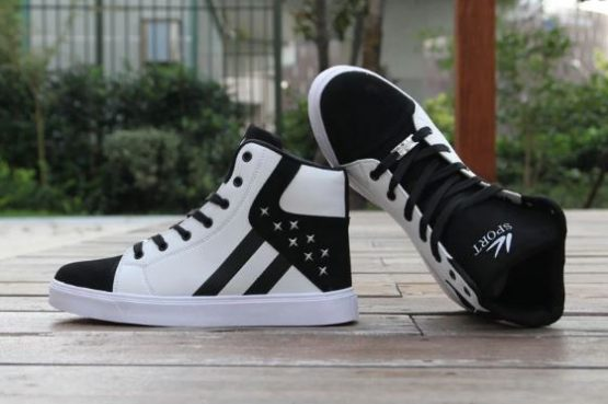 Orizon High Top Sneakers