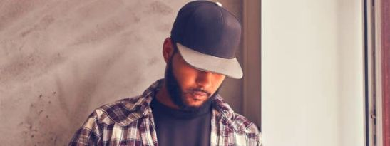 how to wear a snapback cap (3)